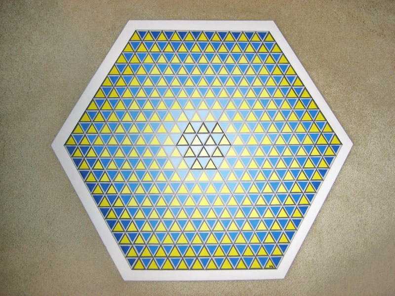 351 Triangles in Swedish colours (yellow/blue)